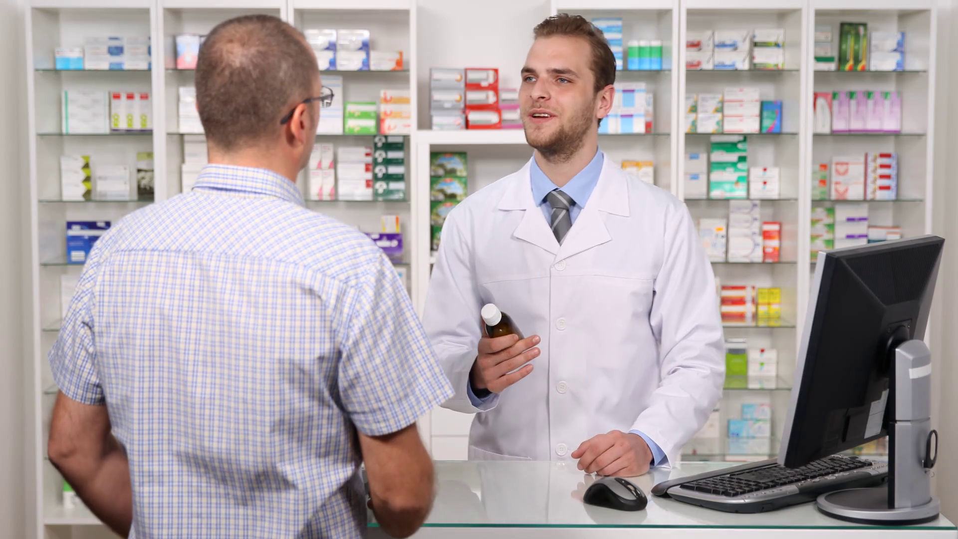 pharmacy-customer-get-medicine-advice-pharmacist-man-offer-specialist-assistance_rpxzuzaa_thumbnail-full01